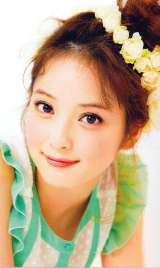 刘美希模特_佐佐木希,日本超人气模特,不但长相甜美可人,散发清纯气质,还有很好的