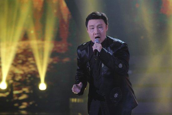 """而作为第一代《我是歌手》的竞唱者,这次竟然与本季歌者""""韩磊""""相见"""