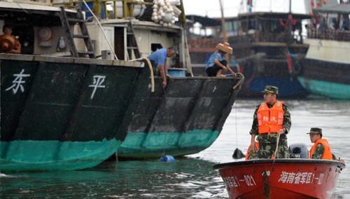 """台风""""威马逊""""淹没海口市北港岛"""