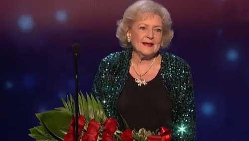 93岁贝蒂·怀特获得最受欢迎电视偶像