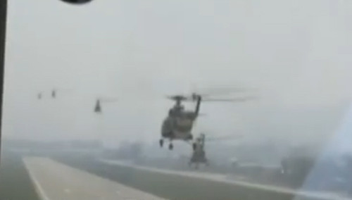 尼泊尔强震波及我国西藏地区 九架直升机部署震区
