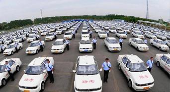 中国人扎堆济州岛考驾照 13小时拿车本闭眼都能过