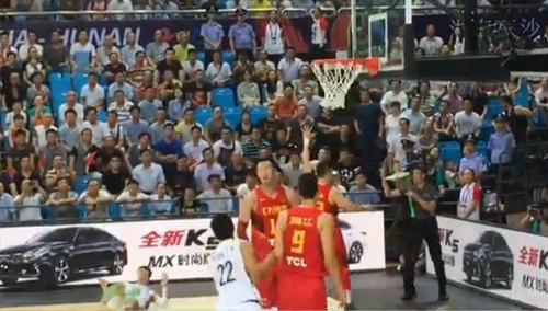 男篮亚锦赛:中国队昨晚上演比分大逆转 3分险胜韩国